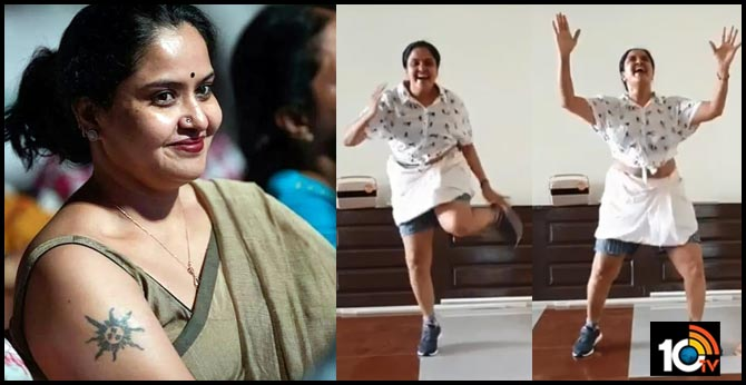 Actress Pragathi Teenmar Dance Video goes Viral