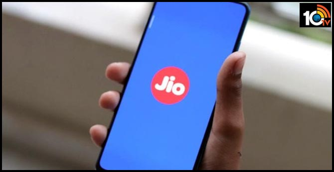 Jio rolls out 100 minutes of calls, 100 free SMS for JioPhone users till April 17, 2020