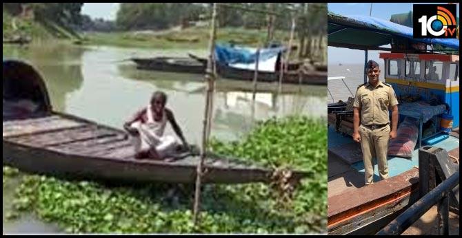 Man uses boat to quarantine self in West Bengal's Malda