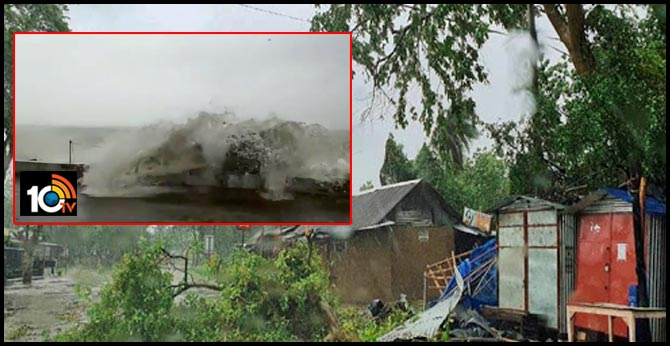 Cyclone Amphan live updates: Cyclonic storm makes landfall between Digha in West Bengal and Hatiya island in Bangladesh