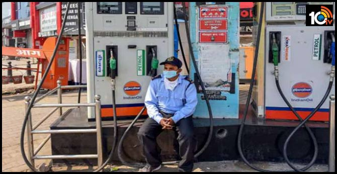 Petrol price hiked by Rs 2/ltr, diesel by Rs 1/ltr in Uttar Pradesh, effective from midnight