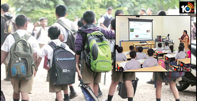 Students have to go school day after day after coronavirus effect