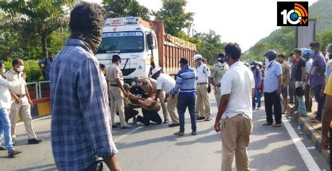 Visakhapatnam: Drunk doctor beaten up by police, held for nuisance