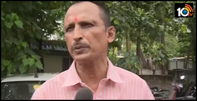 doctor sudhakar went to police station