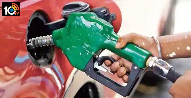 Petrol, diesel prices now cost almost same in Delhi