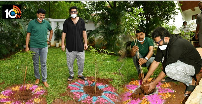 Prabhas accepts the green india challenge and planted saplings along with TRS MP santosh