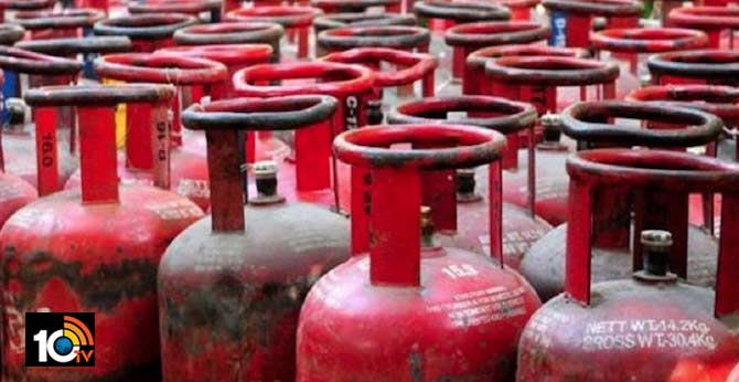 Non-Subsidised Cooking Gas Costlier By Up To Rs 37/Cylinder In Metros
