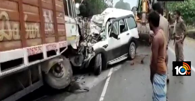 9 including 2 kids killed as suv collides with truck in up