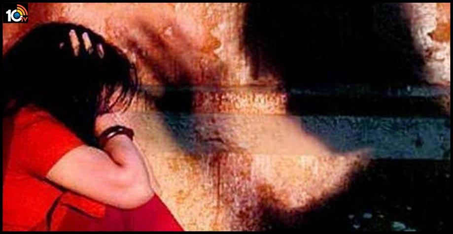 17 ఏళ్ల మైనర్ను పిక్నిక్ అని 32ఏళ్ల వ్యక్తి యూపీకి తీసుకెళ్లాడు…పెళ్లిచేసుకున్నాడు…రేప్ చేశాడు.
