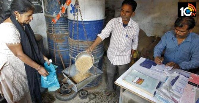 తెలంగాణలో ఉచిత బియ్యం పంపిణీ