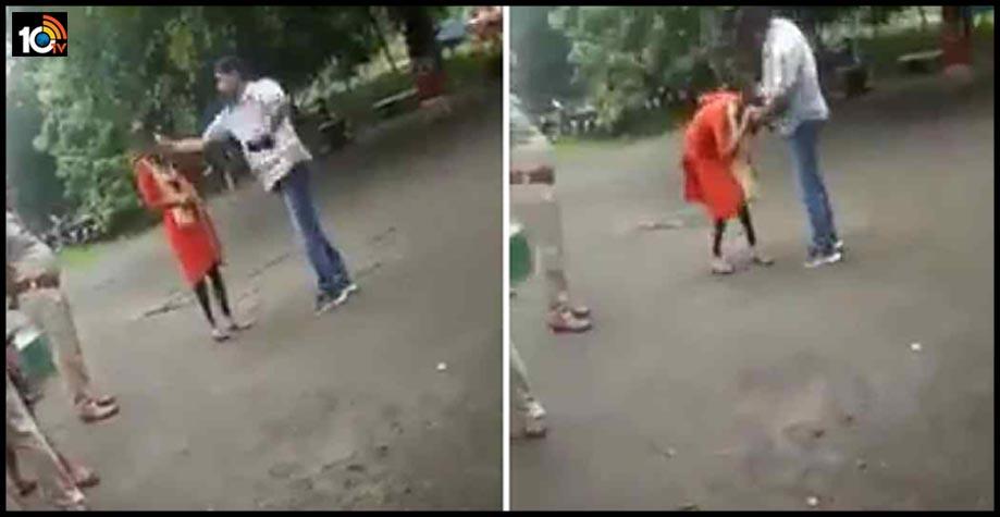 jharkhand-police-slap-teen-dalit-girl