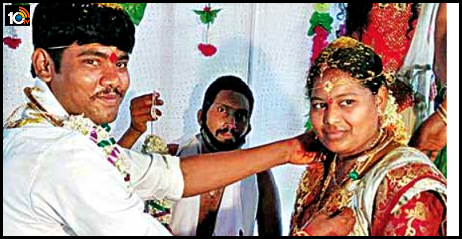 bride-is-a-muslim-the-groom-is-a-christian-they-are-married-according-to-hindu