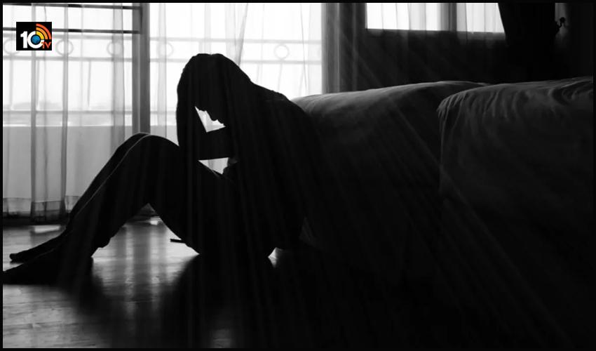 కూతురు బోయ్ ఫ్రెండ్ కుళ్లుబొడిచేసిన ఐపీఎస్ : సిగిరెట్ తో కాల్చి..చంపేస్తానని వార్నింగ్