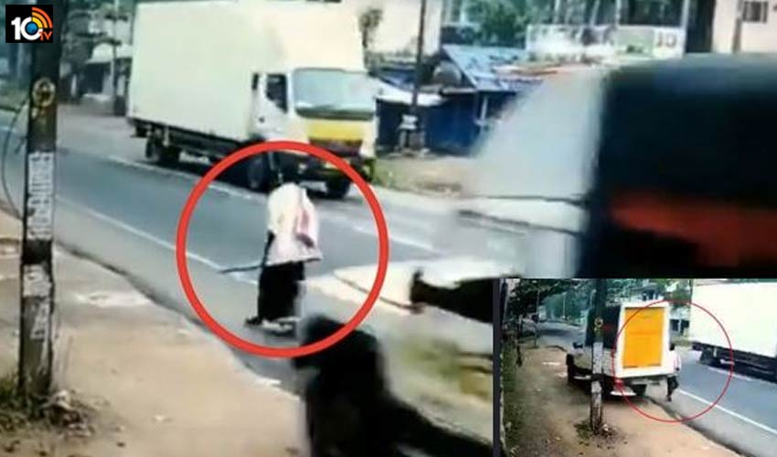 miraculous-escape-of-a-man-from-road-accident-in-kerala