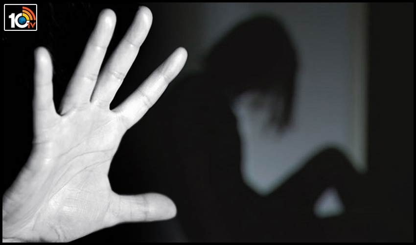 gujarat-mumbai-man-booked-for-teens-rape