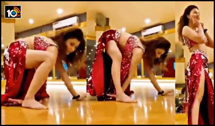 urvashi rautela south indian dance style1