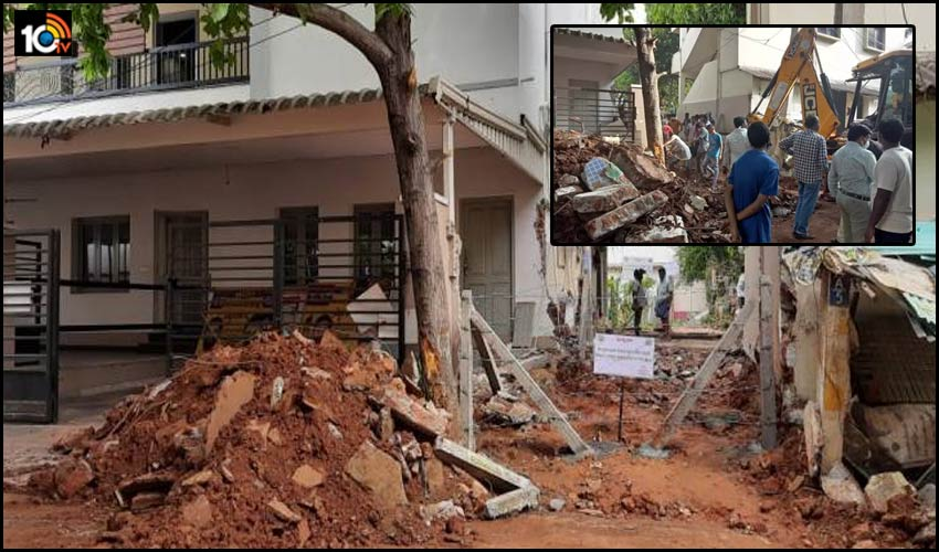 Former Mp Sabbam Hari Apologies after occupied House Wall construction demolished by officials