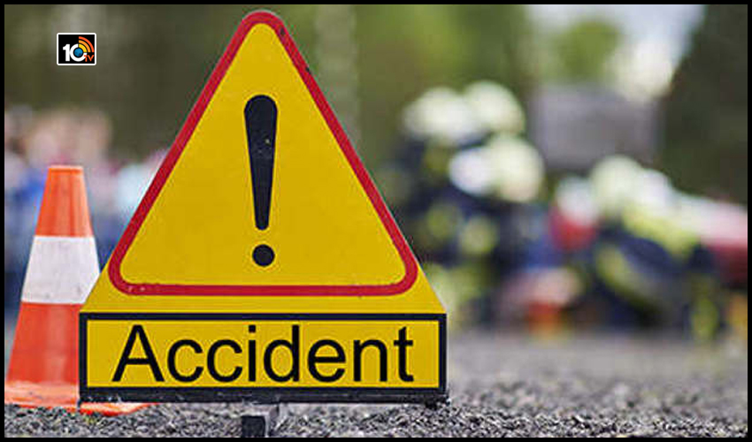 Nalgonda-road-accident-1-died-three-injured