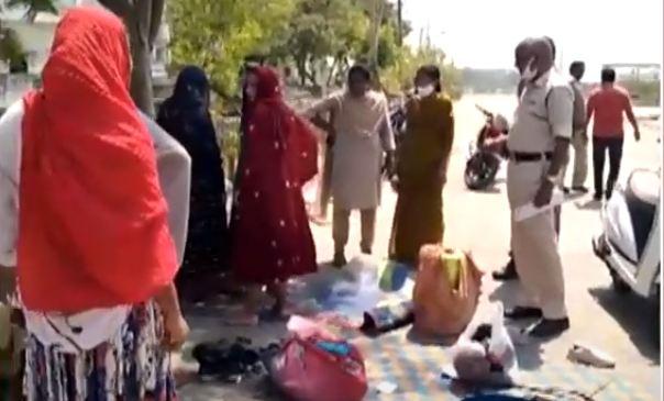 Gujarati women Forced collections in kakinada