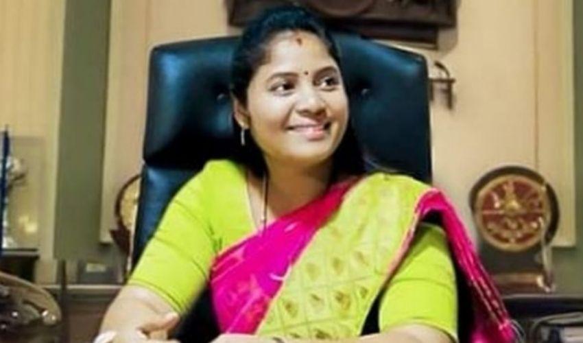 https://10tv.in/andhra-pradesh/andhra-deputy-chief-minister-pushpa-sreevani-hospitalized-277430.html