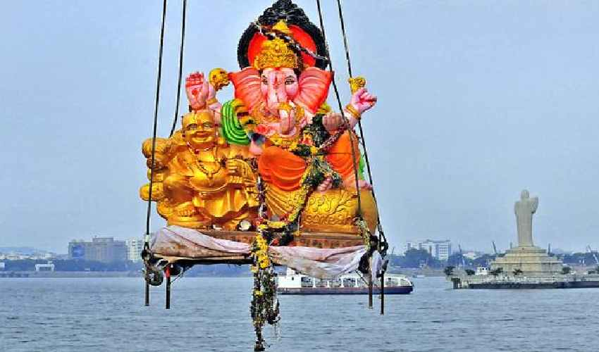 https://10tv.in/spiritual/why-ganesh-idol-is-immersed-in-water-after-pooja-277896.html
